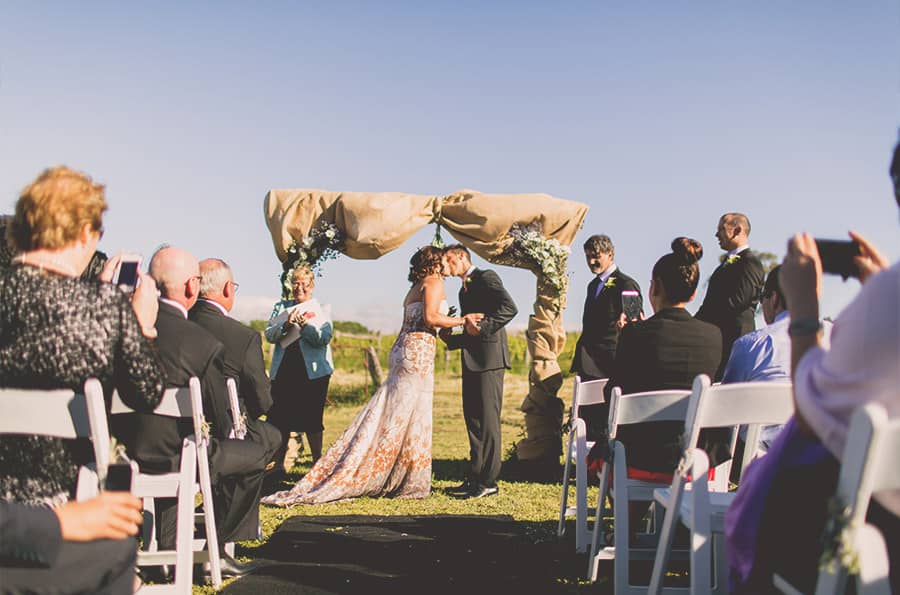 12-First-Kiss---Wedding-Venue-Captains-Creek-Winery-Blampied