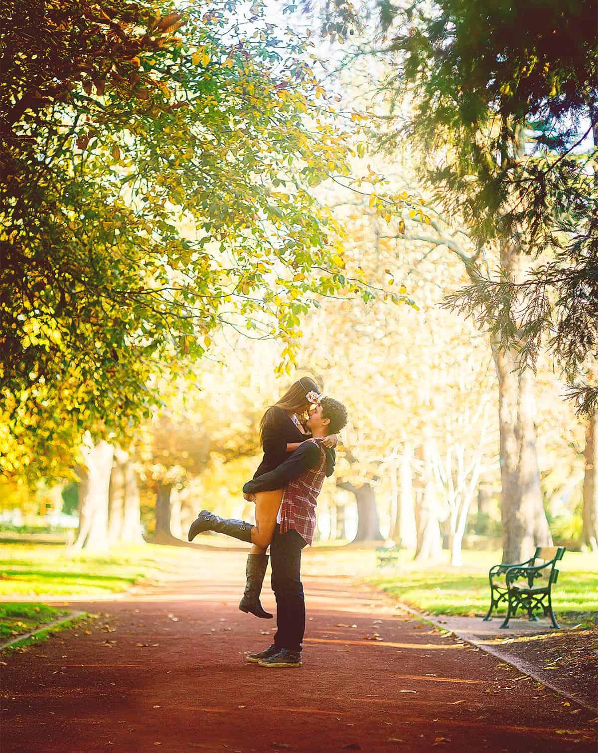Couple Photoshoot at Ballarat Botanical Gardens - Prime Minister Avenue