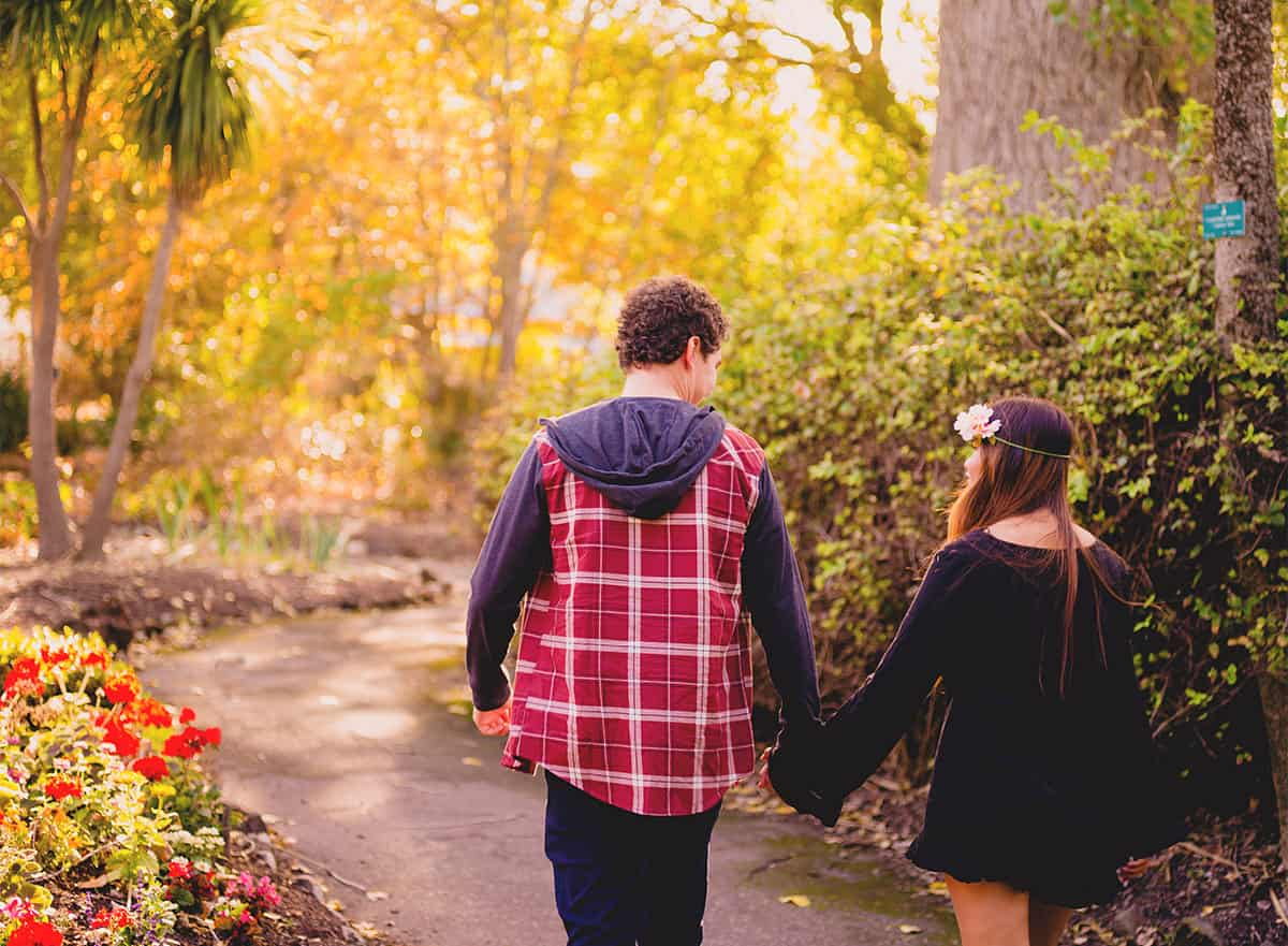 Engagement Photography - Stroll through the Ballarat Botanical Gardens